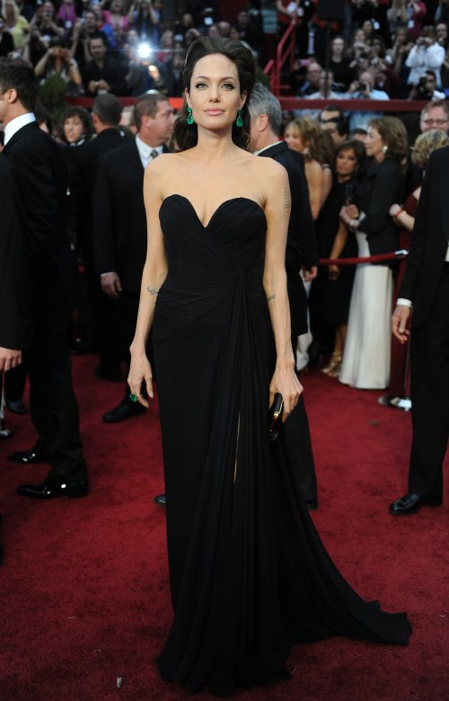 Angelina_jolie_black_dress