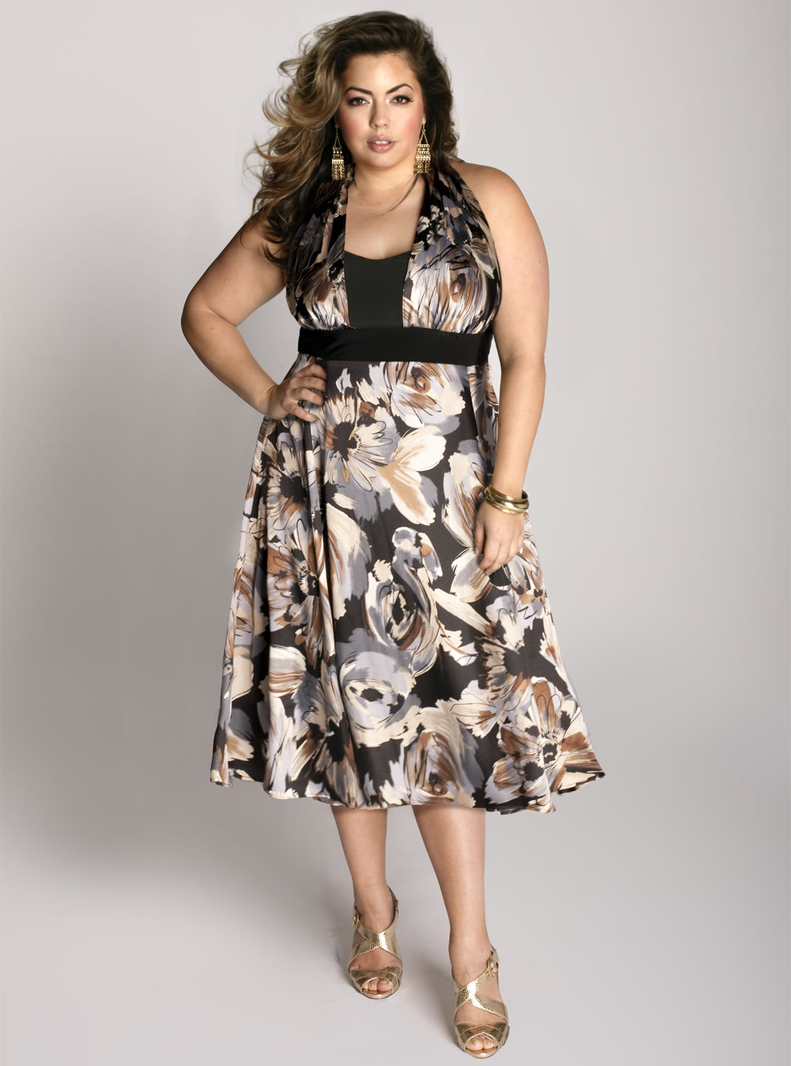 Look Flattering In Gorgeous Plus Sized Dresses Online Designer Gowns